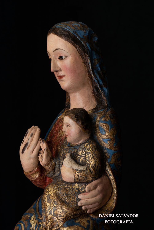 La Virgen en la talla